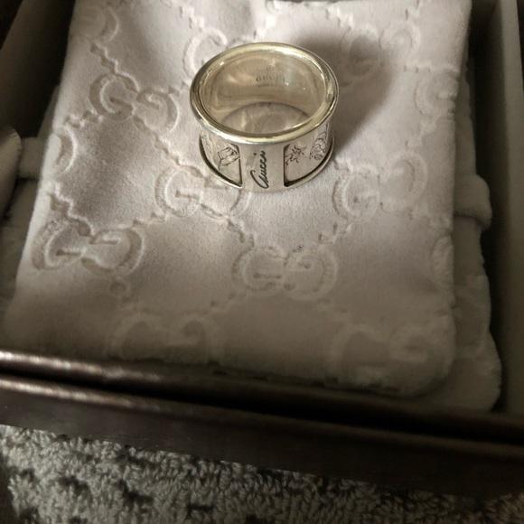 dbd211ffe56f6 Gucci Flora Ring
